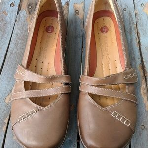 Unstructed Clarks Light Brown Leather Shoes 9M EUC